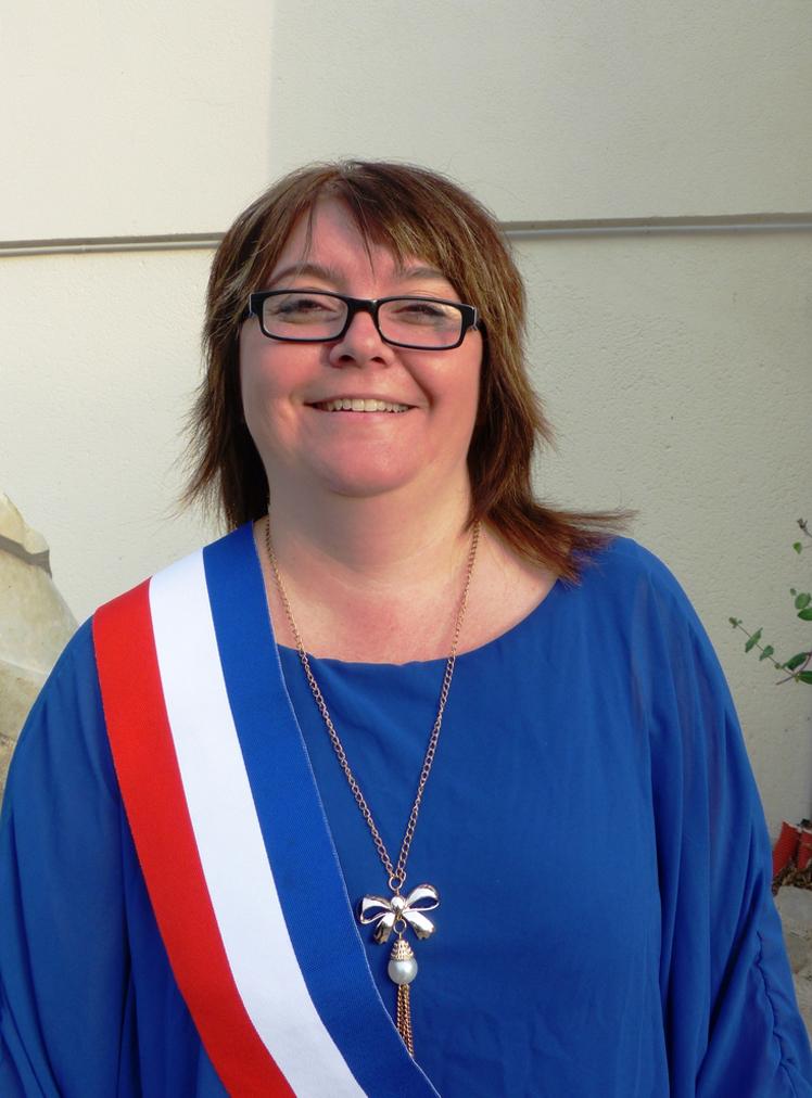 Ingrid DE WAZIERES